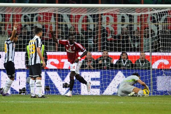 Матч Серии А между «Миланом» и «Ювентусом» запомнился незасчитанным голом Мунтари...