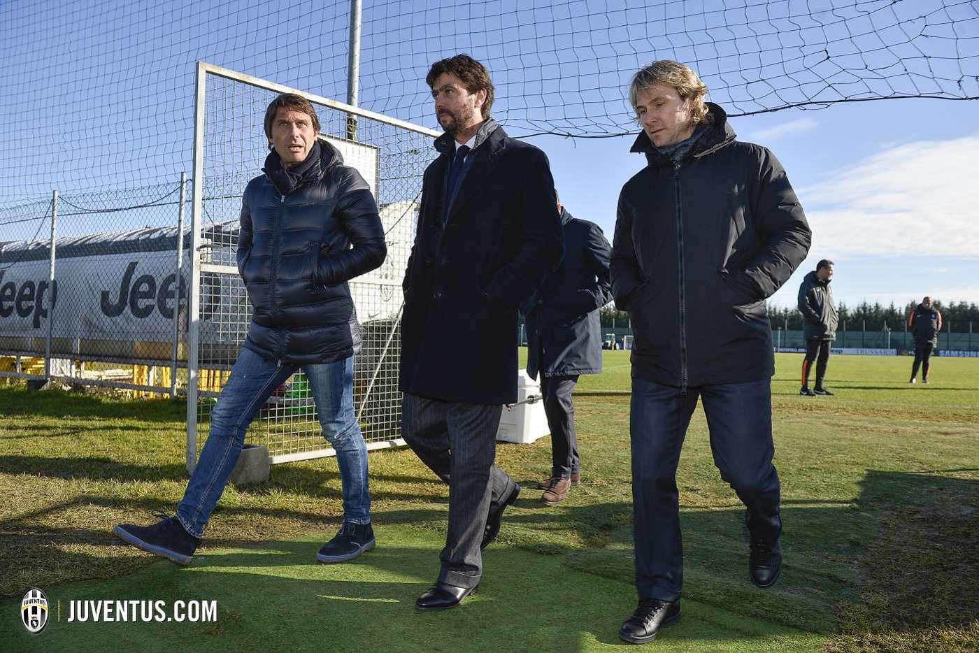 Владелец Лидса Челлино отстранен от футбола на полтора года