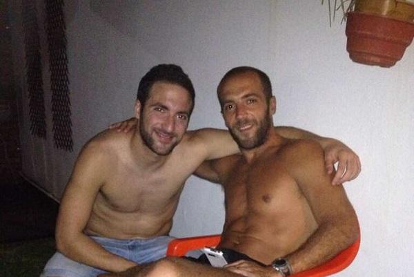 Гонсало и Николас Игуаин