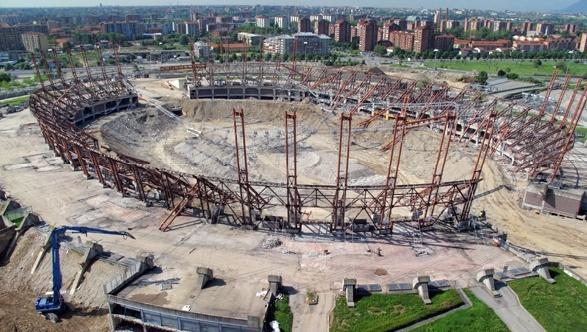 Проследи за строительством нового стадиона «Ювентуса».